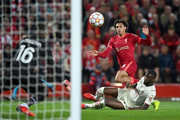 Liga Champions, Liverpool vs AC Milan: Salah Gagal Penalti, The Reds Tertinggal 1-2