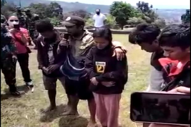 Beredar Video Kesaksian Nakes Tentang Kekejaman KKB, 3 Suster Dilucuti Pakaian Dalamnya, Disiksa dan Dilempar ke Jurang