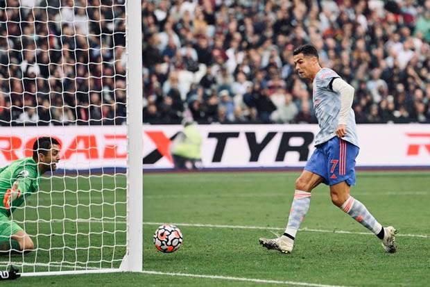 Ronaldo Bikin Gol Lagi, Fans Manchester United Ejek Juventus