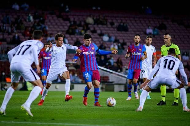 Barcelona Imbang vs Granada, Ronald Koeman: Ini Bukan Tim 8 Tahun Lalu!