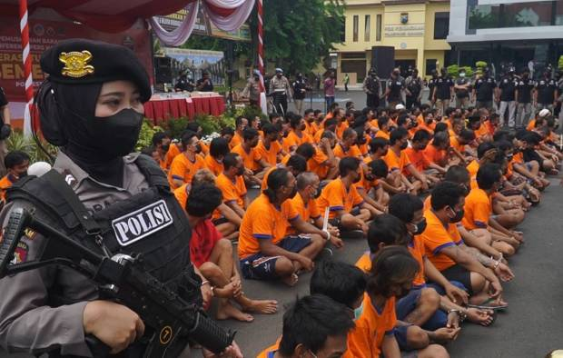 120 Tersangka Narkoba Digiring ke Penjara Selama 2 Minggu Operasi Tumpas Semeru