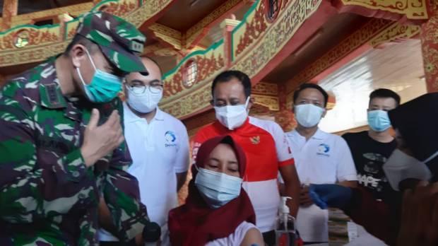 Meski Takut Jarum Suntik, Wanita Ini Rela Antre Vaksinasi agar Bisa ke Mana-mana