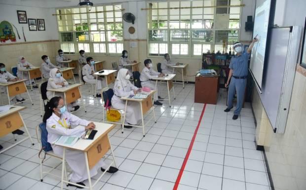 Seragam Sekolah dari UMKM Disiapkan untuk 46 Ribu Pelajar