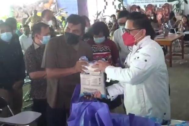 Gerkindo Bagikan Sembako ke Pimpinan Gereja di Sulawesi Utara