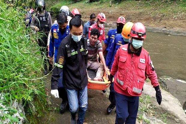 Mobil Boks Diduga Hasil Curian, Pelaku Lompat ke Sungai Brantas setelah Menabrak