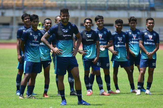 Liga 1 Jelang Bhayangkara vs Persib, Robert Bakal Ubah Formasi