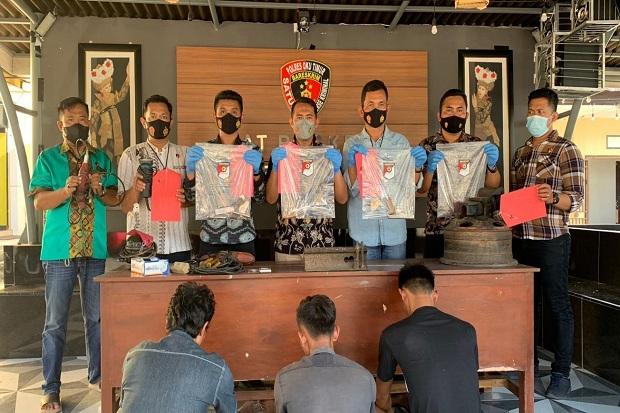 Polisi Gerebek Home Indutri Senjata Api Rakitan di OKU Timur