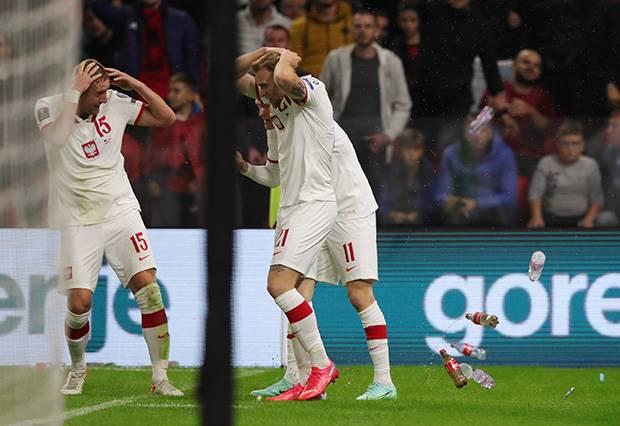 Hasil Albania vs Polandia: Kemenangan Lewandowski dkk Diwarnai Lemparan Botol