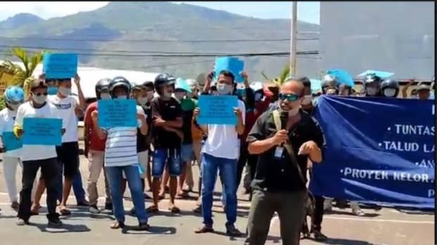 Demo Kasus Korupsi di Flores Timur Ricuh, Massa Coba Terobos Kantor Kejari