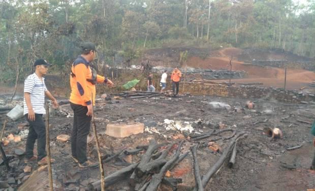 Api Membara di Permukiman Suku Baduy, Belasan Rumah Hangus