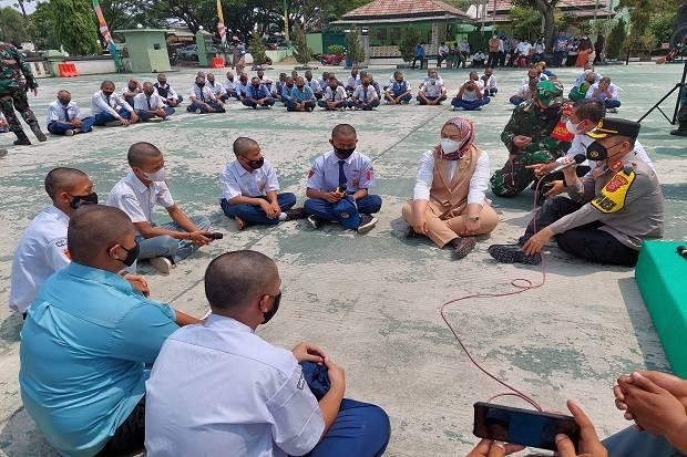 Cegah Tawuran, 100 Pelajar Karawang Ditatar Kedisiplinan Bela Negara di Kodim