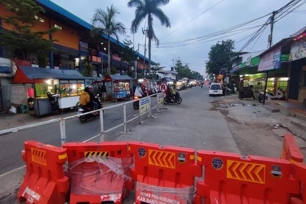 Akses Jalan di Lembang Ditutup, Pedagang Mengeluh Pendapatan Anjlok