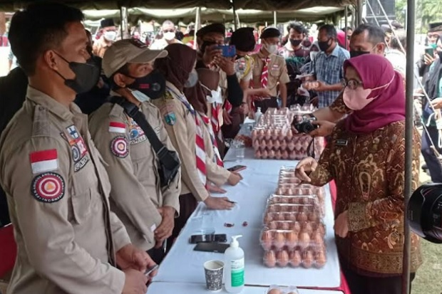 Vaksin di Blitar, Tiap Warga Dapat 10 Telur Ayam Gratis