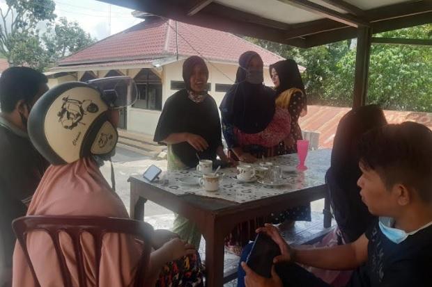 Kirim Foto-foto Telanjang Agar Dapat Bantuan COVID-19, Belasan Wanita Muda Malah Diperas