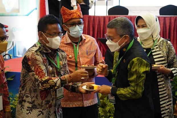 Pengurus Apeksi Beri Surprise Ucapan Ultah untuk Wali Kota Taufan Pawe