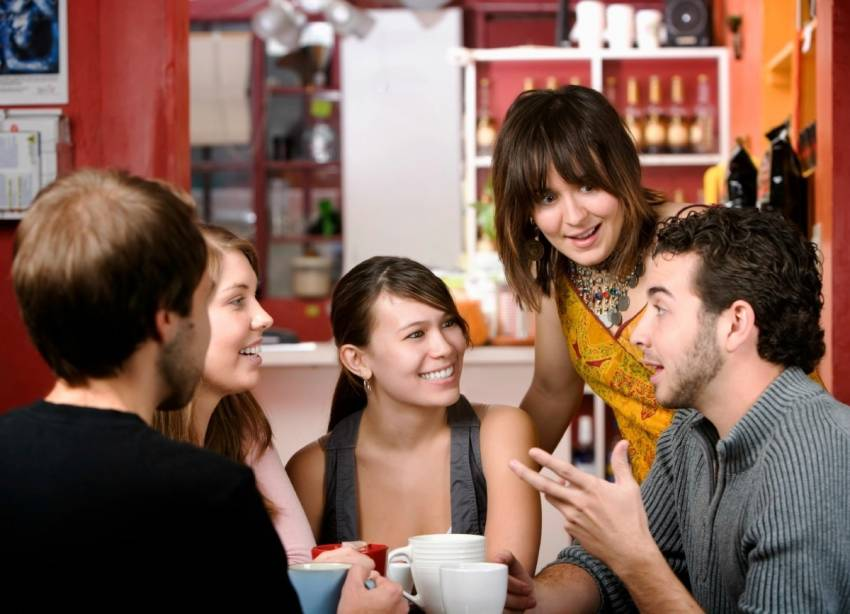 10 Cara Jitu Supaya Kamu Disukai Banyak Orang!
