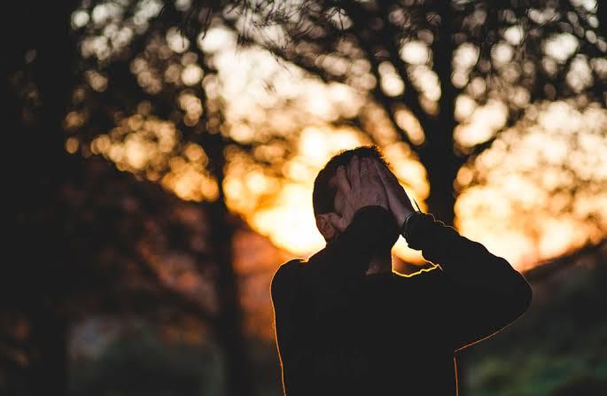Sering Sedih? Ini 7 Cara untuk Menghilangkannya dan Bangkit Kembali