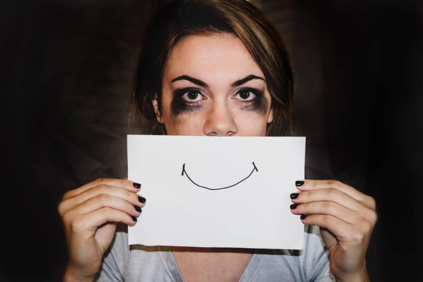 Mengenal Depresi Tersenyum, Bisa Serang Orang yang Perfeksionis dan Ambisius