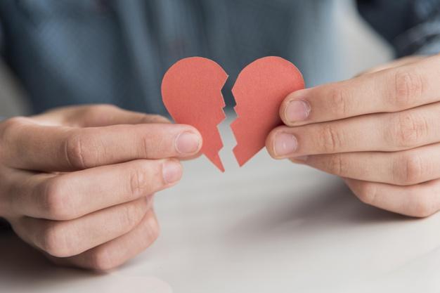 Tips Bertahan dari Kesedihan setelah Putus Pacaran
