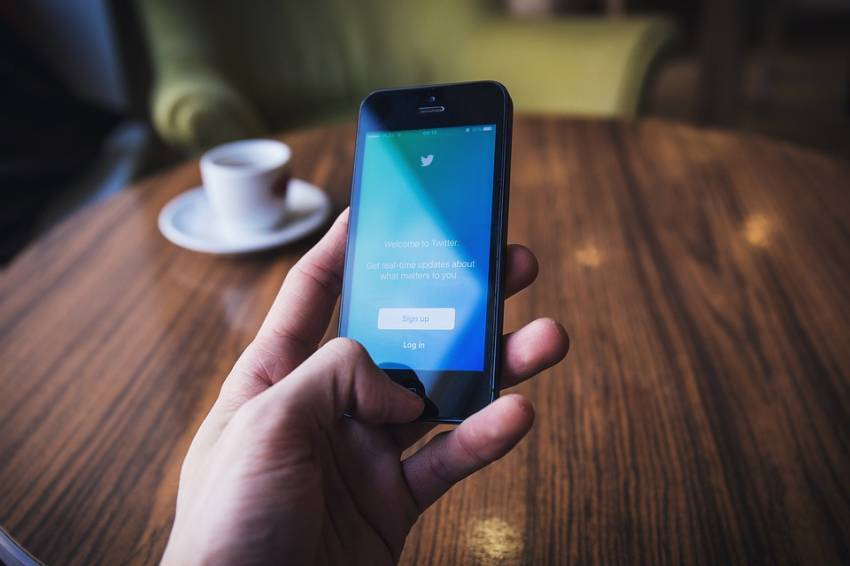 6 Akun Menfess Terpopuler di Twitter