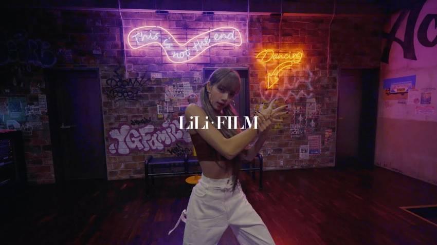 13 Idol K-Pop dengan Kanal YouTube Berkonten Seru