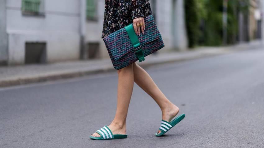 5 Jenis Sandal untuk Kamu Tetap Terlihat Stylish meski Bergaya Santai