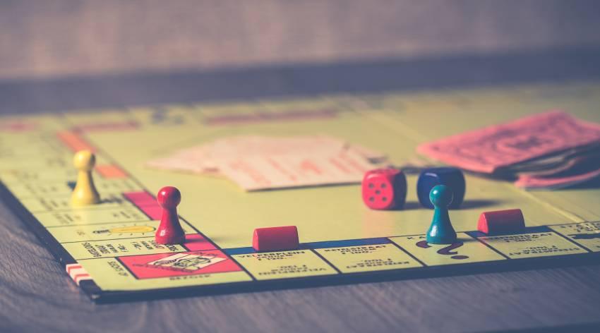 4 Permainan Seru yang Bisa Dicoba Saat Kumpul Bareng Teman