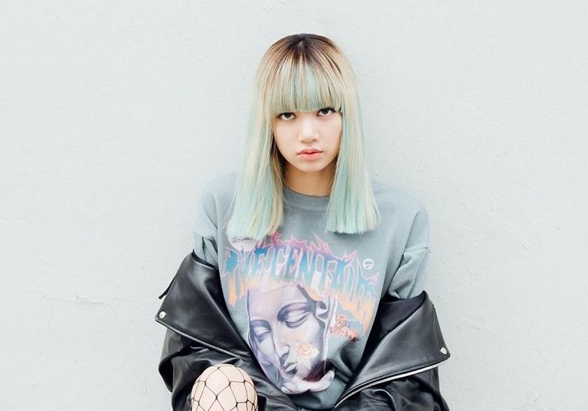 Gaya Rambut Lisa BLACKPINK untuk Ditiru, Tetap Akan Terlihat Kece meski Kamu Pakai Masker