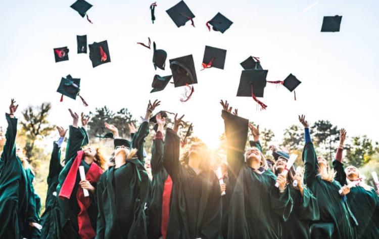 5 Derita Mahasiswa Semester 5, Jangan Menyerah Ini Solusinya!