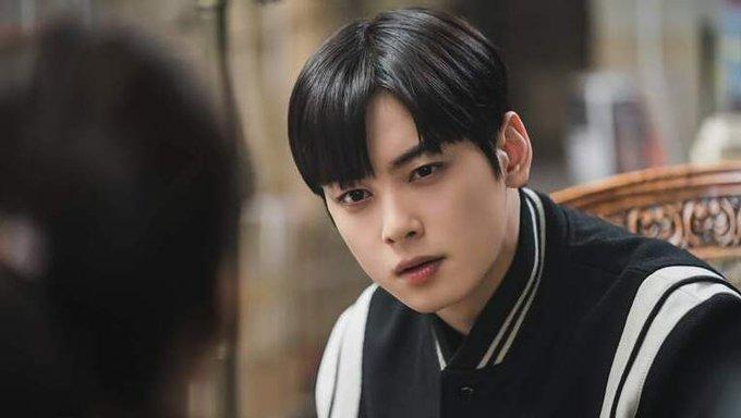 Momen Kocak Karakter Drakor Cemburu, dari Park Seo-Joon hingga Cha Eun-Woo